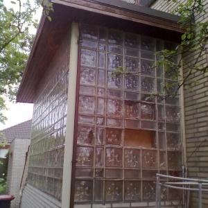 Vorbau aus Glasbausteinen
